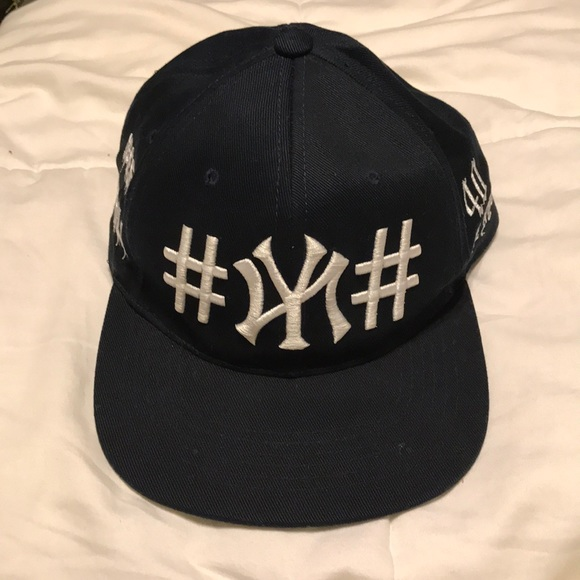 109aadb9e10 40 oz NYC x Been Trill Authentic SnapBack Hat. M 5bd513d7951996f7c7c312ed